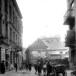 W tel widoczna kamienica przy ul. Krakowskiej 7